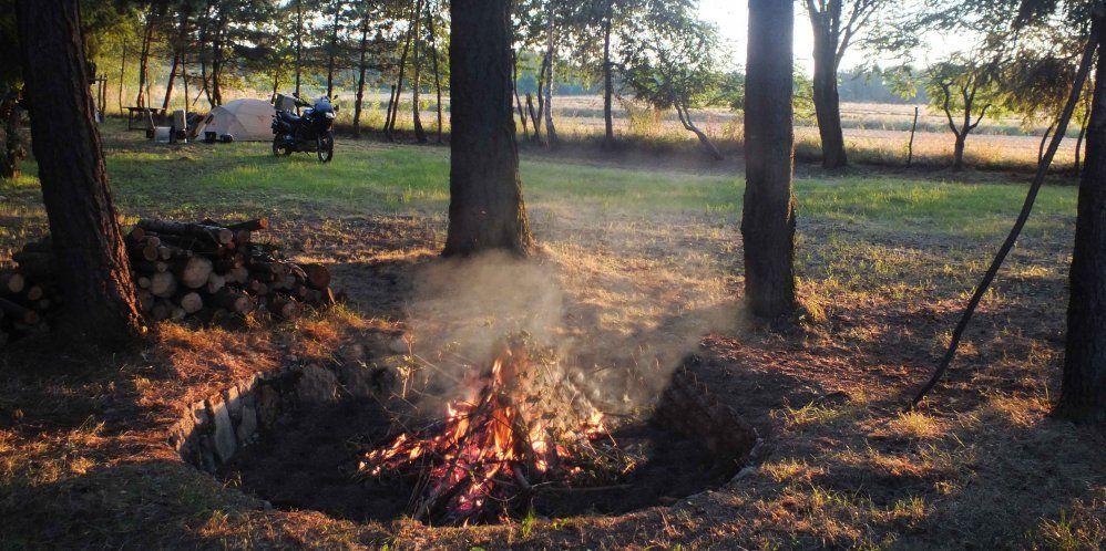 camp_fire_web
